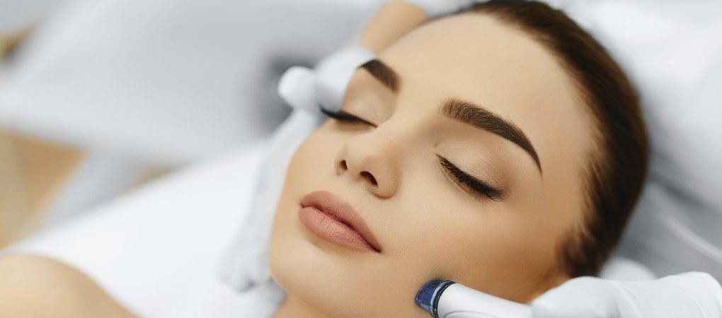 Peeling : supprimer les cellules mortes, rendre le visage plus vivant