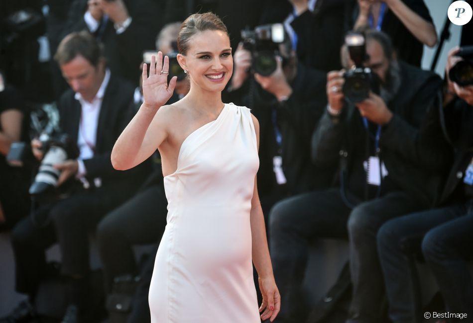 Le look vestimentaire de l'égérie Dior Nathalie Portman